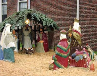 0_21_nativity_michigan_creche