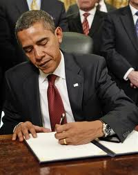 obama-signing-away-our-sovereignty